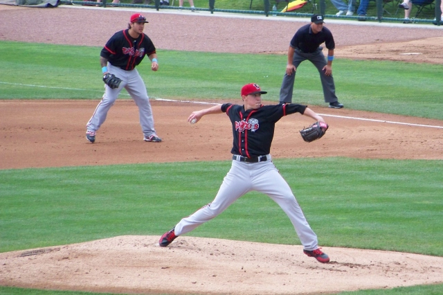 Aaron Sanchez pitching for the Lansing Lugnuts (Photo by Craig Wieczorkiewicz/The Midwest League Traveler)