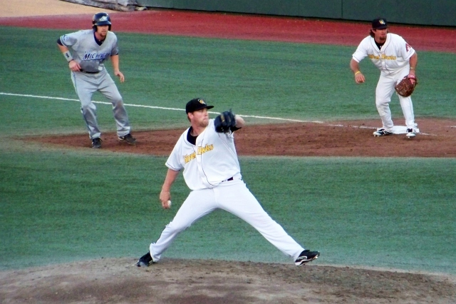 RHP Archie Bradley on the mound for the 2012 South Bend Silver Hawks.