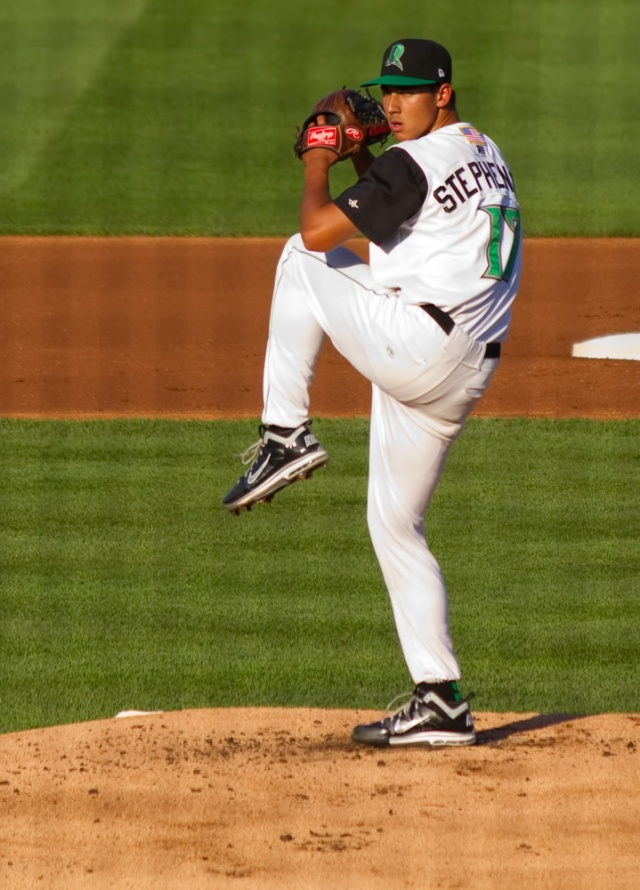 Robert Stephenson pitching for the Dayton Dragons. (Photo by Doug Gray/RedsMinorLeagues.com)