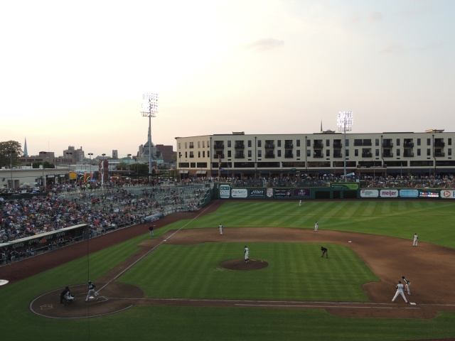 The Harrison apartment complex is located close to Parkview Field's left field. (Photo by Craig Wieczorkiewicz/The Midwest League Traveler)