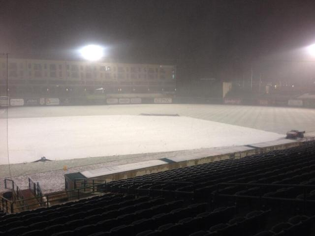snowy Parkview Field 4-14-14 2