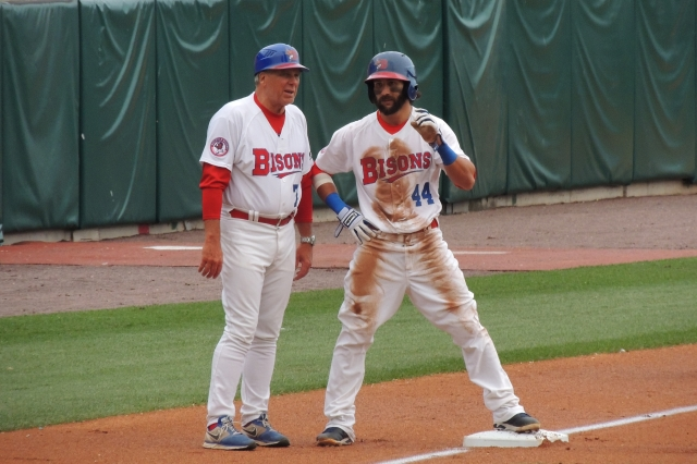 Buffalo Bisons LF Darin Mastroianni (right) talks with hitting/third-base coach Richie Hebner. Mastroianni hit .228 with 3 HR, 25 RBI and 30 SB in 95 games with the 2008 Lansing Lugnuts.