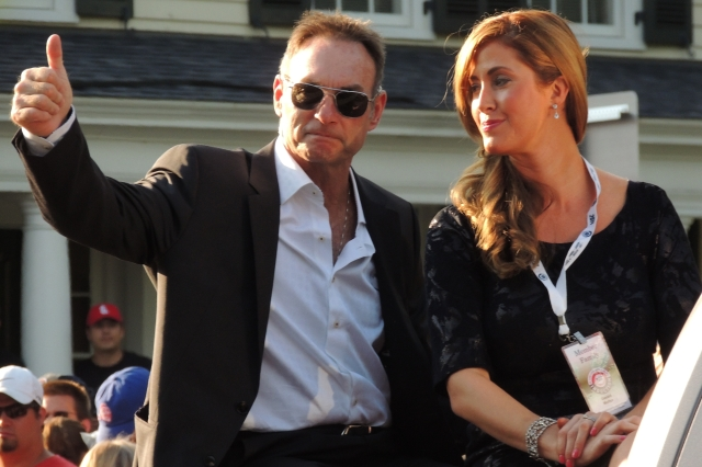 Paul Molitor, seen here with wife Destini, waves to fans during the Hall of Fame Parade of Legends earlier this year. (Photo by Craig Wieczorkiewicz/The Midwest League Traveler)