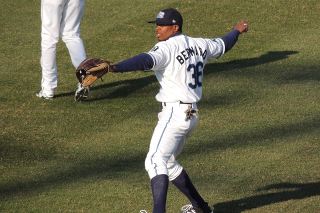 Whitecaps OF Wynton Bernard plays catch before West Michigan's home opener this year. (Photo by Craig Wieczorkiewicz/The Midwest League Traveler)