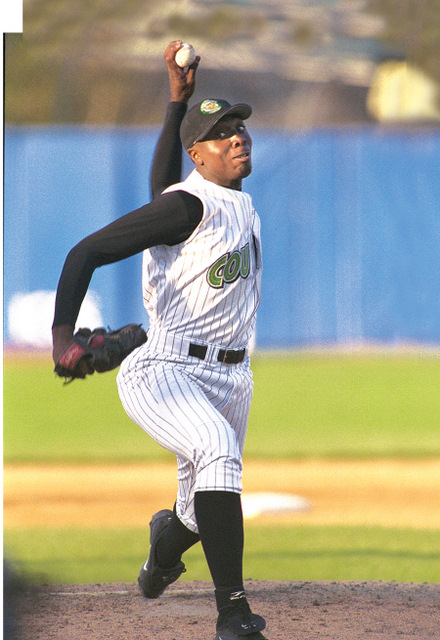 Dontrelle Willis pitched for the Kane County Cougars in 2002. (Photo from The Cougars Den)