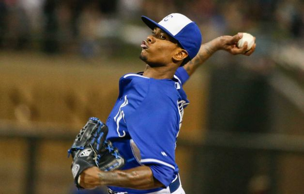 Royals SP Yordano Ventura winds up against the Mariners in the 5th inning of Friday's game. (AP photo by Lenny Ignelzi)