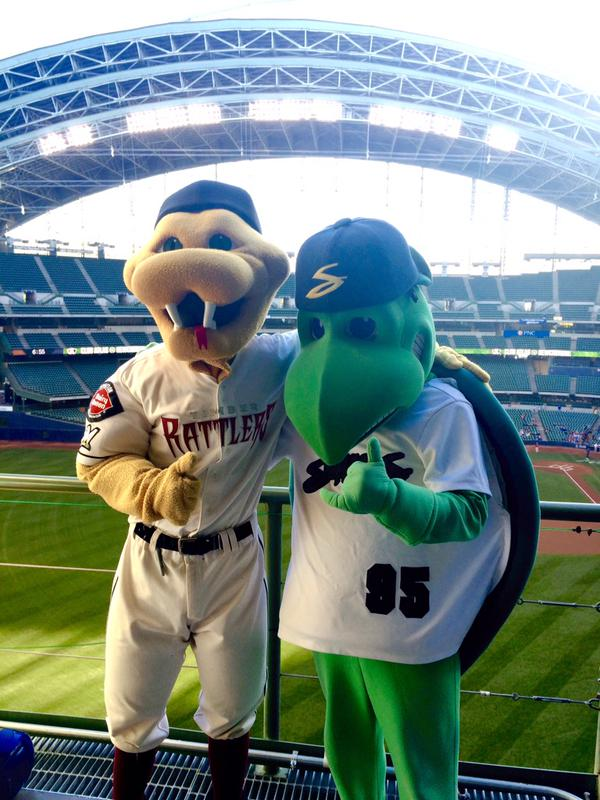 Wisconsin Timber Rattlers mascot Fang and Beloit Snappers mascot Snappy at Miller Park. (Photo tweeted by @BrewersEvents)