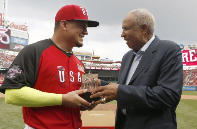 USA catcher Kyle Schwarber (left) is presented the MVP trophy from Hall-of-Famer Frank Robinson after the All-Star Futures Game. (Photo by David Kohl/USA TODAY Sports)