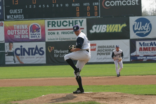 Mat Latos pitching for Fort Wayne Wizards