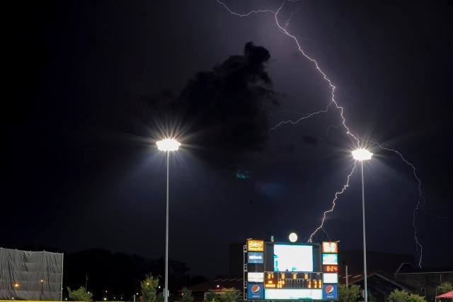 SR lightning shot 2 (cropped)