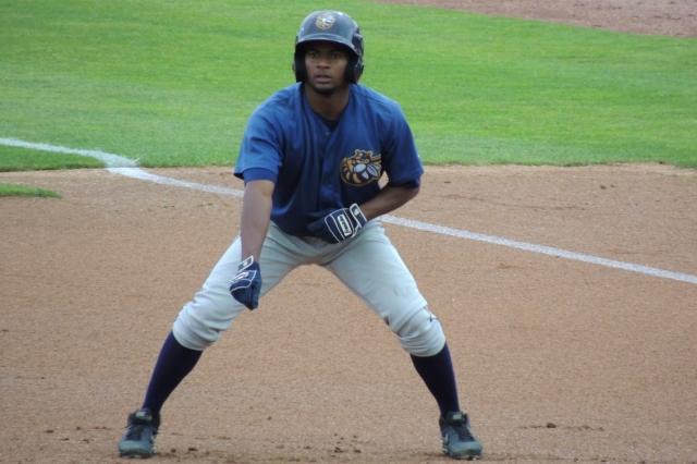 Ayendy Perez had three hits for the Burlington Bees on Monday.