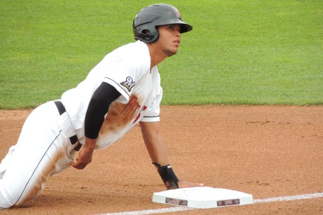 Elvis Rubio safe at 3rd base