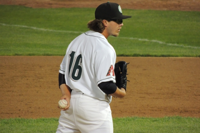 LHP Zac Curtis was one of five players involved in Wednesday's Diamondbacks-Mariners trade. He led the Midwest League with 33 saves in 2015. (Photo by Craig Wieczorkiewicz/The Midwest League Traveler)