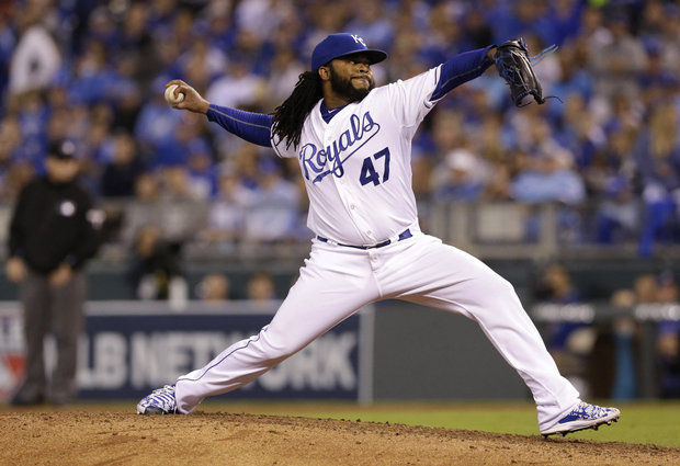 Royals RHP Johnny Cueto throws a pitch during the 7th inning of Wednesday's game in Kansas City. (AP photo by Orlin Wagner)