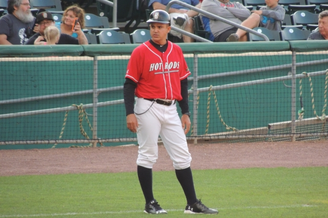 Bowling Green Hot Rods manager Reinaldo Ruiz (Photo by Craig Wieczorkiewicz/The Midwest League Traveler)