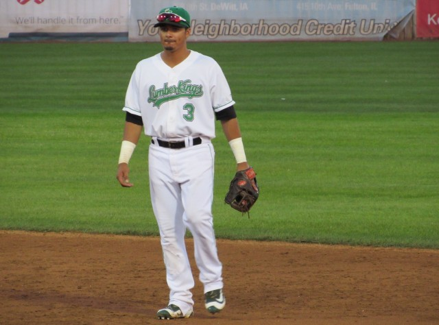 Clinton LumberKings second baseman Chris Mariscal